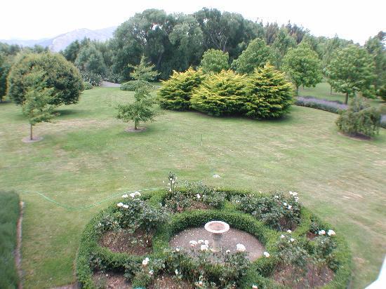 The Marlborough Lodge: The gardens (2)