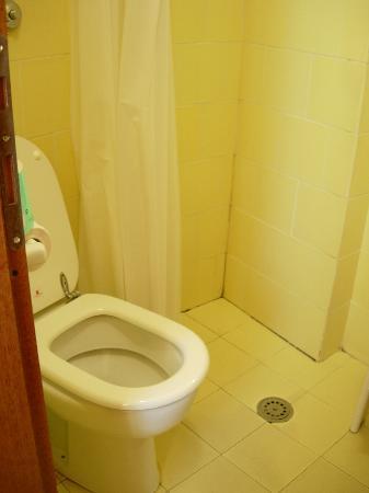 Piccolo Hotel Il Palio: The bathroom and the SUPER shower !