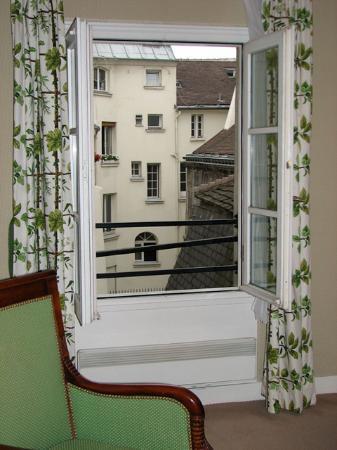 Relais Hotel du Vieux Paris: View from the suite (flattering angle chosen!)