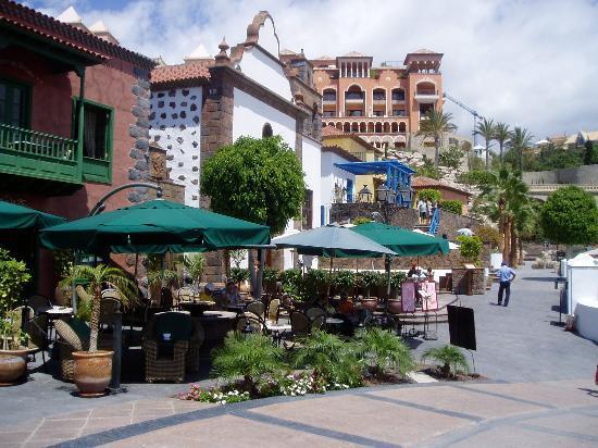 Hotel Riu Arecas Restaurants Close To