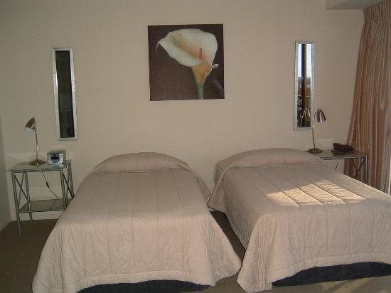Grand Chancellor Auckland Hotel: Bedroom with Twin