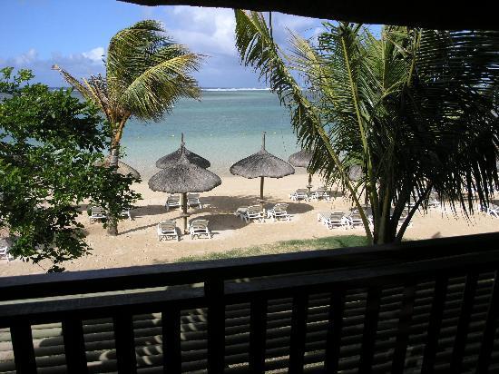 Heritage Awali Golf & Spa Resort: Beachfront balcony view