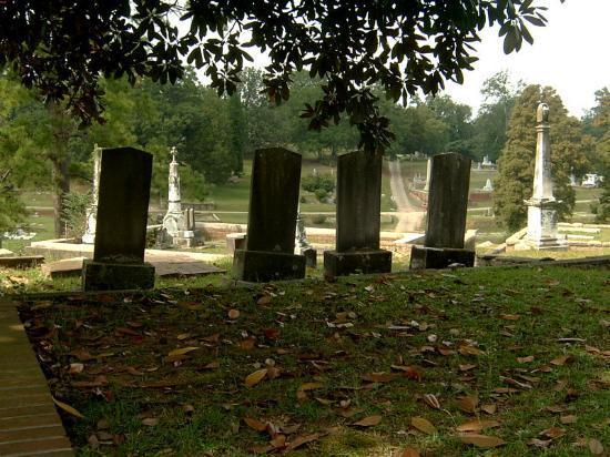 Macon, GA: In the Shade of Magnolias at Rose Hill