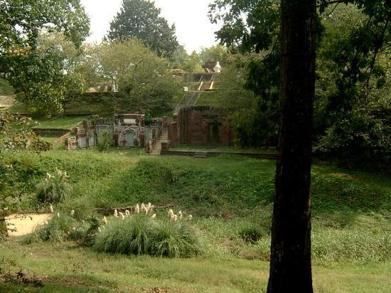 Rose Hill Cemetery: Interestiung Rose Hill Architecture
