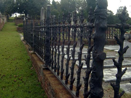 Rose Hill Cemetery: Ironwork at Rose Hill