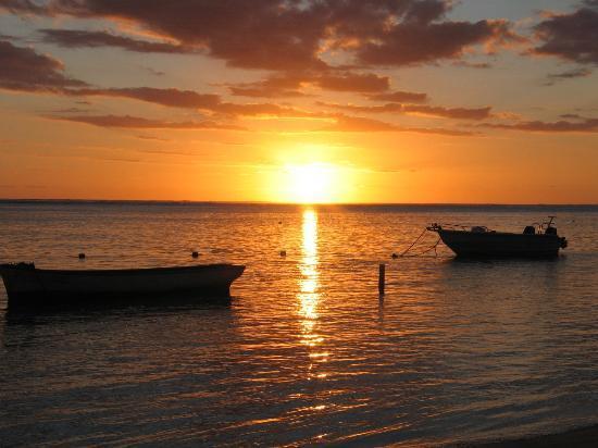 Heritage Awali Golf & Spa Resort: Indian Ocean Sunset
