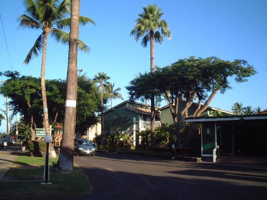 Aina Nalu: Entrance and part of hotel complex