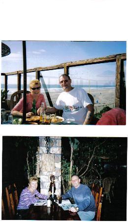 Los Pelicanos Hotel: The indoor /outdoor restaurant
