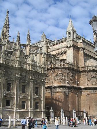 Barrio de Santa Cruz: Cathedral in Sevilla