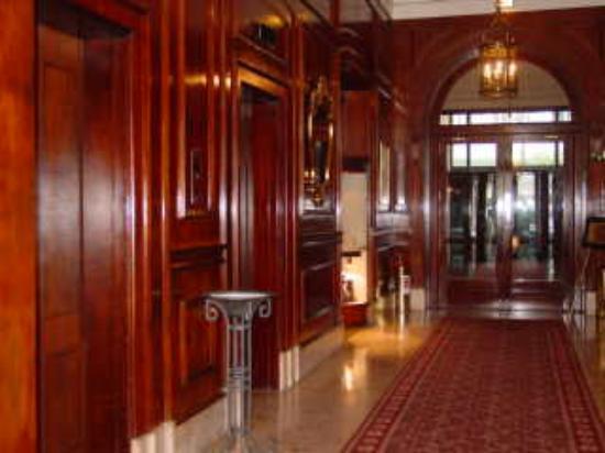 Belmond Copacabana Palace: Elevator Lobby