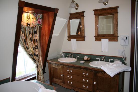 Hotel Paulin : Bathroom of Suite