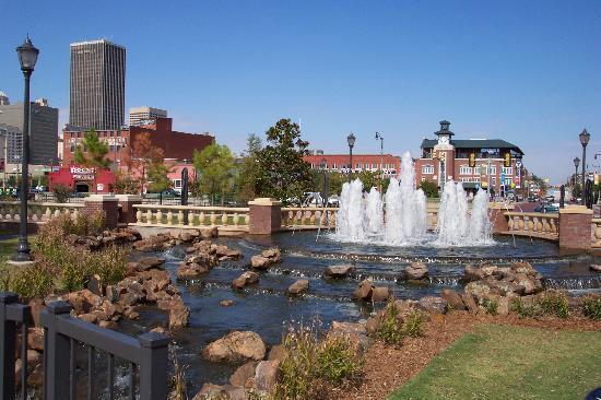 Оклахома-Сити, Оклахома: Bricktown fountain