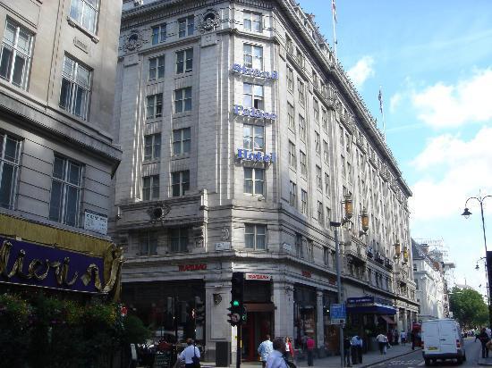 Twin beds - Picture of Strand Palace Hotel, London - TripAdvisor