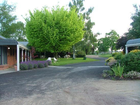 Lancefield, Avustralya: Entrance - side view
