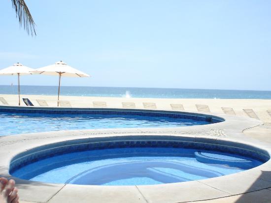 Casa del Mar Golf Resort & Spa: The beach club pool & hot tub