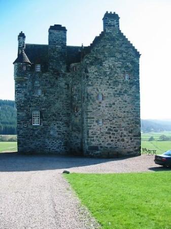Forter Castle: Castle in April sunshine!