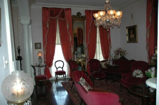 Riverside Bed and Breakfast: sitting room