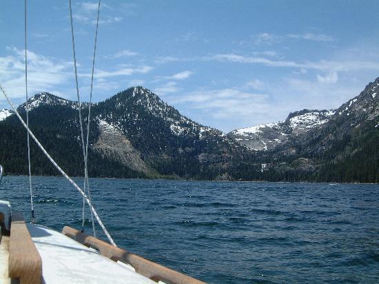 Tahoe Keys Resort : Sailing Tahoe
