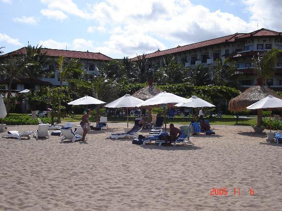 Grand Mirage Resort & Thalasso Spa - Bali : Beach by the resort