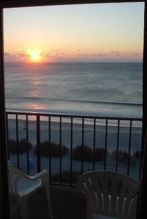 Viking Ocean Front Motel: Viking oceanfront room view