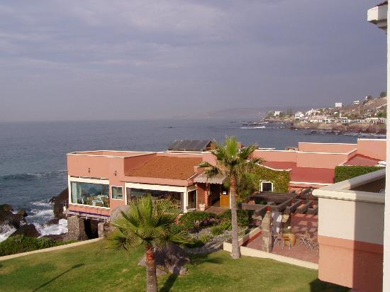 Punta Morro Hotel: View from balcony - restaurant