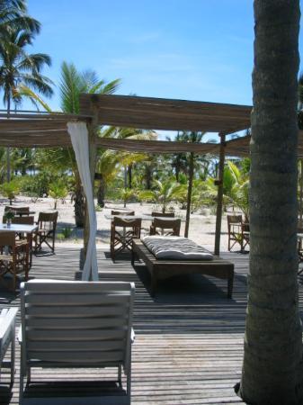 Vila Naiá: The outdoor area of the restaurant