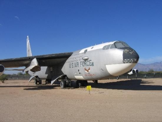 Pima Air & Space Museum : B-52 Buff (this one dropped the X15)