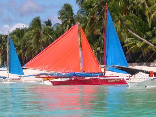 Boracay, Philippines: Can't wait to get on one of those paraws!