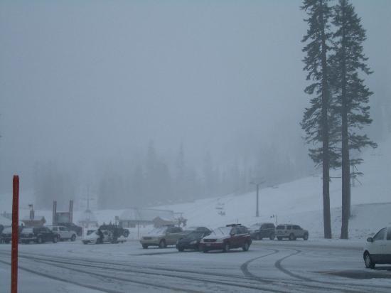 Mammoth Lakes, CA: First snow storm!  Nov 2005