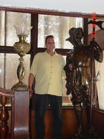 Cedar Gables Inn: Me and the Spainard