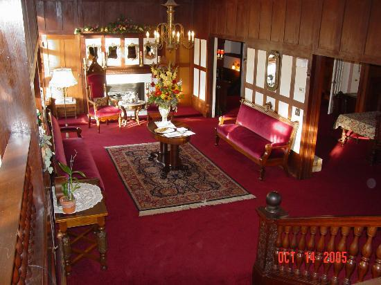 Cedar Gables Inn: Reception Area