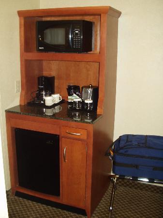 Hilton Garden Inn Bozeman : Microwave / refrigerator