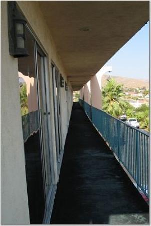 Desert Hot Springs Spa Hotel Photo