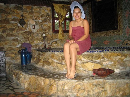 Maruba Resort Jungle Spa: My in suite Jacuzzi
