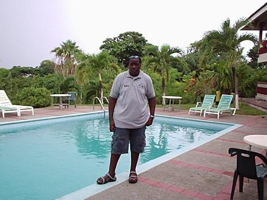 Blue Horizon Resort : Picture of me by the pool area. YES it has a pool.