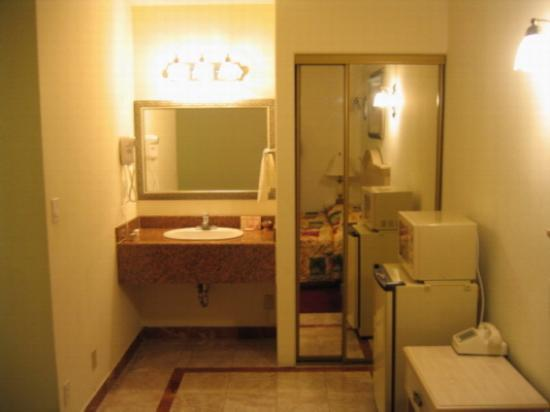 Glen Capri Inn & Suites - San Fernando Road Photo