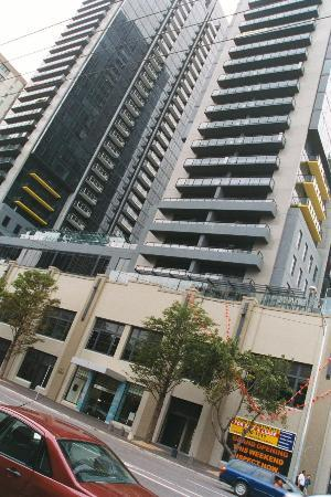 Melbourne Short Stay Apartments Southbank Collection City Towers From Street Entrance