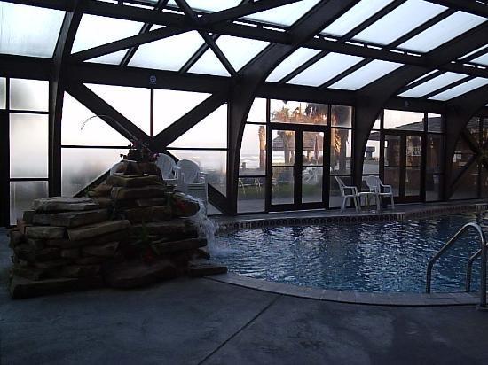 Sun Viking Lodge: The pool area