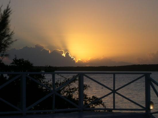 Romora Bay Resort & Marina: Romora Bay is the place to be for Sunset!