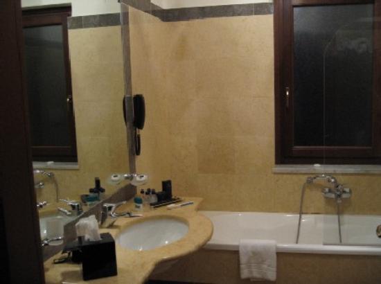 Hotel Federico II - Central Palace: Bathroom