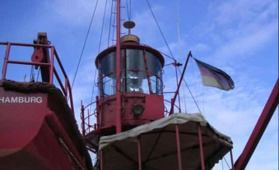Feuerschiff Ship Hotel: Let there be light, when I return...
