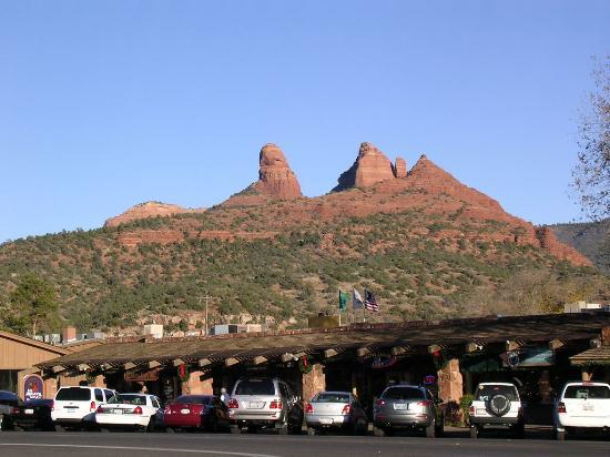 Sedona Summit Resort: Red Rock with city view
