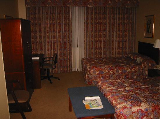 مارون هوتل أند سويتس: Room 219