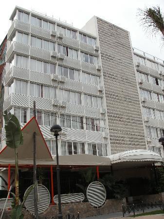 Hotel Magic Villa de Benidorm: Front view of the Villa de Benidorm