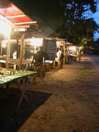 Puerto Viejo, Costa Rica: Night stalls