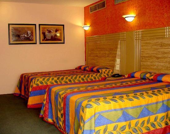 Room Hotel Cervantes