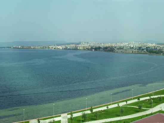 Kolin Hotel: View of town and bay