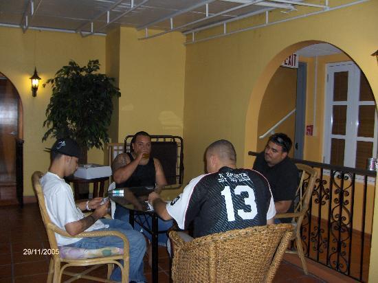 Hotel Villa del Sol: Playin' Cards