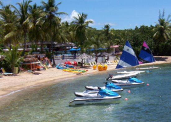 Watergate Villas: Rode jetskis and paddled kayaks