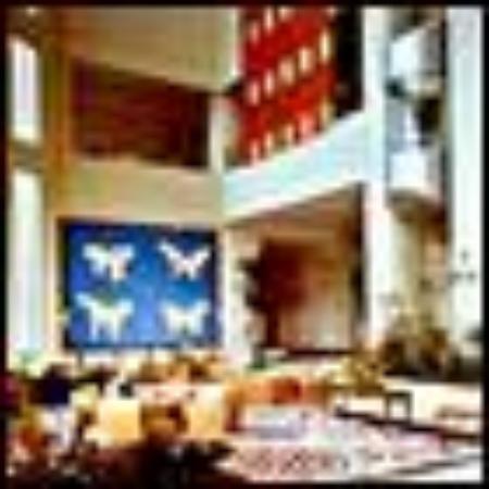 Hilton Colon Guayaquil: Guayaquil Hilton's main lobby center
